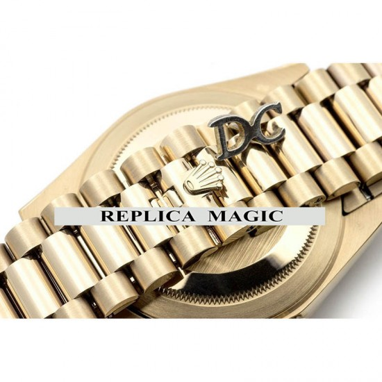 Replica Rolex Day-Date 40 228238 Champagne Dial in Yellow Gold